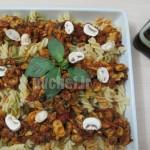 فوسیلی با سس قارچ و ریحان و گوجه – fusilli with tomato, basil &mushroom sauce